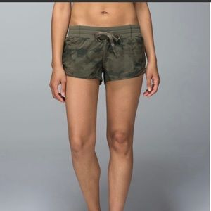 Lululemon Hotty Hot Short, 2.5 inch